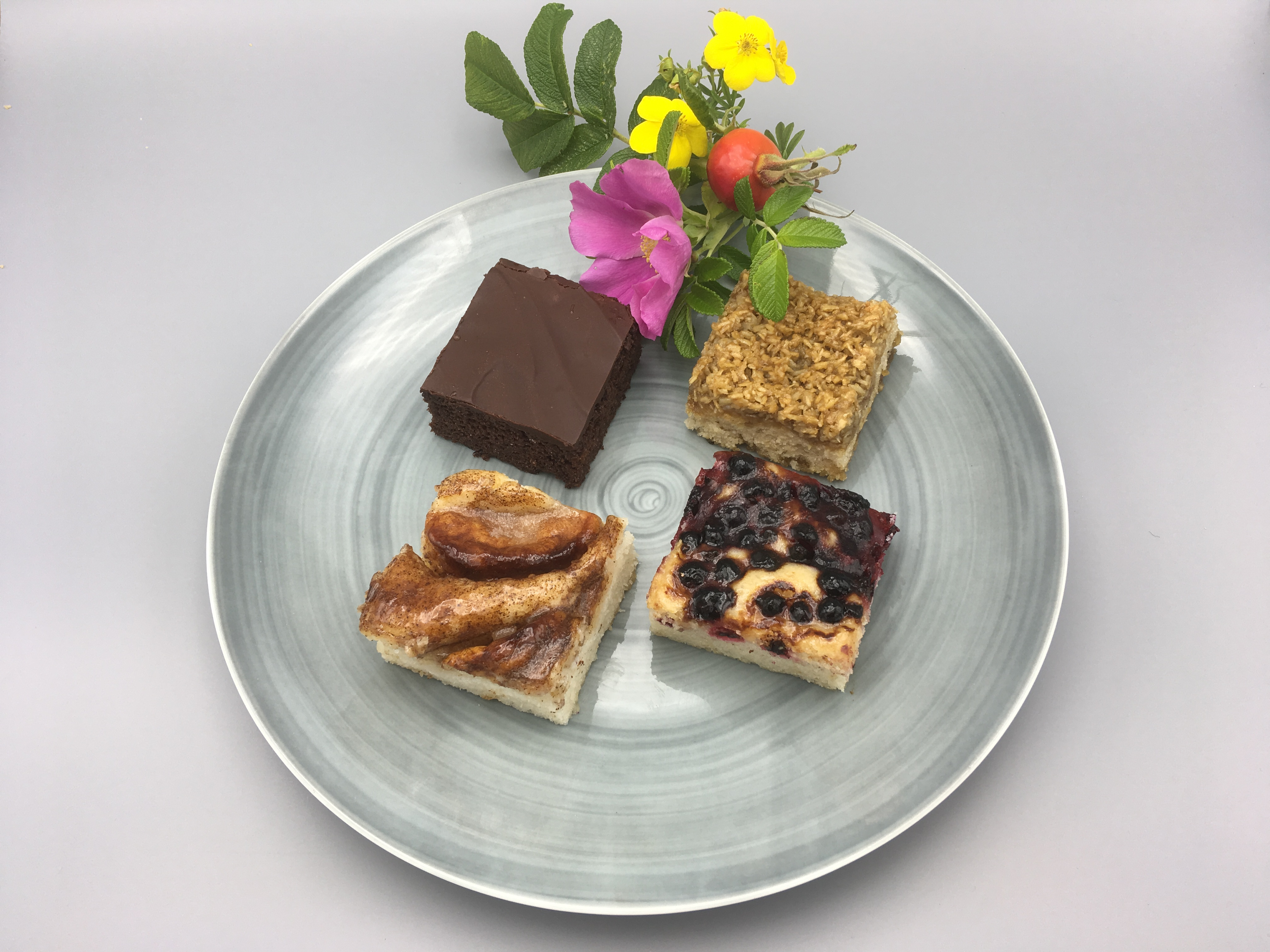 𝗡𝗬𝗛𝗘𝗗 Rosa´s Skovbærkage, Aya´s Chokolade, EVA`s Æblekage, Karla´s Drømmekage, 𝗡𝗬𝗛𝗘𝗗